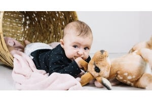 Ouch! How to Breastfeed a Teething Baby?